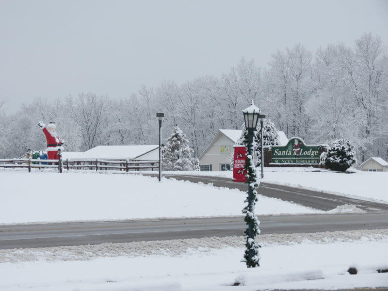 Santas-Lodge-Winter (3)